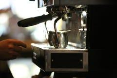 在咖啡店的煮浓咖啡器 图库摄影