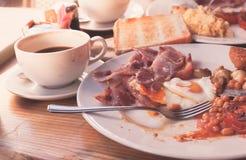 在咖啡馆的传统英式早餐 免版税图库摄影