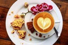 在咖啡馆的早餐 免版税图库摄影