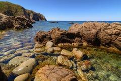 在品柱Pecora布杰鲁撒丁岛意大利欧洲的石海岸 免版税库存照片