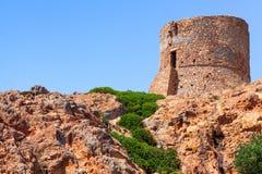 在品柱Rosso峭壁,可西嘉岛的热那亚人的塔 免版税图库摄影