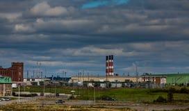 在哈利法克斯海岸附近的工业区 免版税库存图片