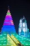 在哈尔滨冰和雪世界的冰大厦 免版税图库摄影