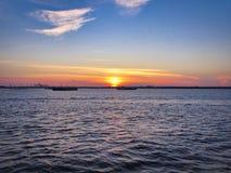 在哈得逊河的日落 库存图片