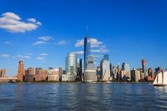 在哈得逊河的曼哈顿地平线 免版税库存照片