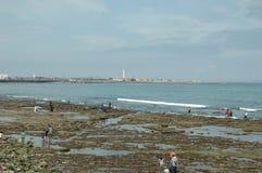 在哈桑二世清真寺之外的海 库存图片