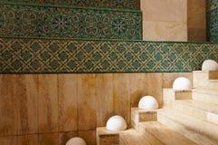 在哈桑二世清真寺的内部走廊在卡萨布兰卡, Mo 库存图片