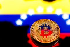 在哥伦比亚旗子中的硬币Bitcoin,真正金钱的概念,克洛 库存图片