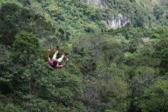 在哥伦比亚的山的极端跃迁 免版税图库摄影