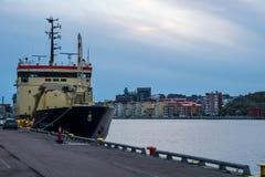 在哥特人港口靠码头的货船 图库摄影