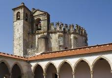 在哥特式修道院, Tomar的圆的教会 图库摄影