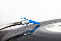 在唱片的DJ针 免版税库存图片