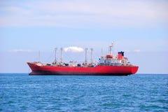 在商业口岸的货船,容器,运输 免版税库存图片