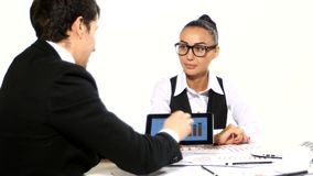 在商人和女实业家之间的讨论 股票录像