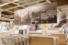 在商店安置的图片的各种各样不同的大小 库存照片