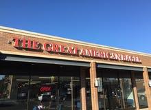 在商店的巨大美国百吉卷商标在芝加哥 免版税库存照片