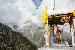 在喜马拉雅山的印度shiva纪念碑 库存图片