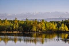 在嘉峪关的湖视图 库存照片