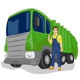 在回收垃圾收集工卡车装货废物和垃圾桶旁边的市政工作者 免版税库存照片