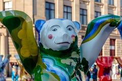 在团结的伙计熊国际画展的芬兰熊 库存图片
