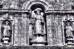 在围住的大教堂compostela de装饰入口詹姆斯部分圣地亚哥西班牙st之上 免版税库存照片