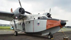 在围裙,万隆印度尼西亚的两栖飞机 免版税库存照片