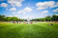 在国会大厦大厦在华盛顿特区,美国前面的国家广场 免版税库存照片