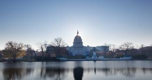 在国会大厦dc圆顶日出之后 免版税库存照片