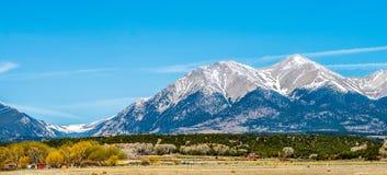 在国君通行证附近的科罗拉多落矶山脉 库存照片