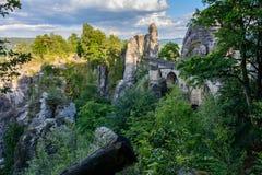在国家公园撒克逊人瑞士的岩石的Bastei桥梁 德国,萨克森 免版税库存图片