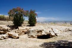 在国王的考古学公园坟茔,帕福斯,塞浦路斯的废墟 图库摄影