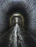 在图尔达盐矿里面的一个走廊 免版税库存图片