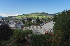在图恩的看法从图恩城堡(瑞士) 免版税库存图片