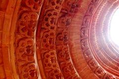 在圆周雕刻的圆顶 免版税库存图片
