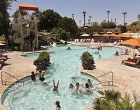 在圆锥形小屋, Litchfield公园,亚利桑那的一个池 免版税库存照片