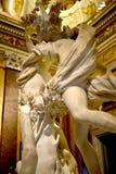 在圆顶场所Borghese罗马Ital的贝尔尼尼雕象 免版税图库摄影