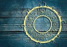在圈子的占星术标志 免版税图库摄影
