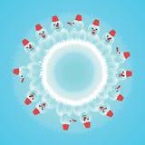 在圈子的雪人 免版税库存照片