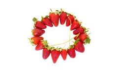 在圈子的整个草莓 免版税库存照片