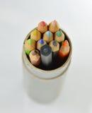 在圈子箱子的颜色铅笔 免版税库存照片