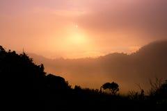 在土井Luang Chiangdao的日出 免版税库存图片