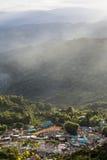 在土井Pui Hmong村庄后的山 库存照片