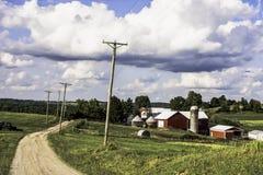 在土坎上面的俄亥俄农场 库存图片