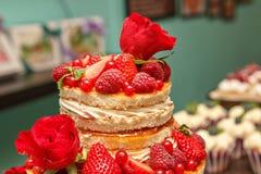 在土气样式的蛋糕 免版税库存照片