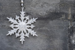 在土气styl的普通机制圣诞节雪花装饰品 免版税库存图片