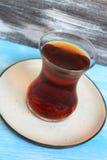 在土耳其传统玻璃的茶 免版税库存图片
