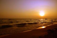 在土耳其的地中海海岸的美好的日落 免版税库存图片