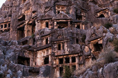 在土耳其Demre的古老Myra岩石坟茔 免版税库存图片