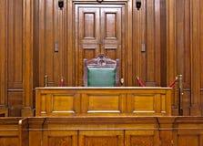 在圣乔治霍尔,利物浦,英国里面的巡回刑事法庭空间视图  库存照片