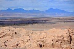 在圣佩德罗火山de阿塔卡马(智利)附近的风景 库存照片